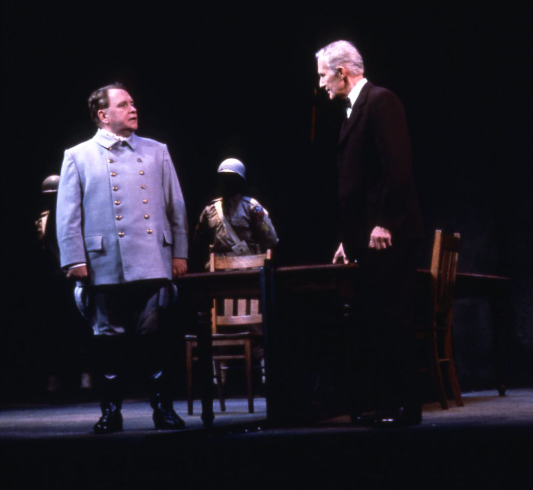 Photograph of Actor's Theatre of Louisville's 1990 production of <em>2</em>